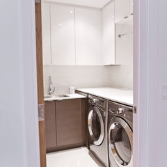 modern laundry room by BiglarKinyan Design Partnership Inc.