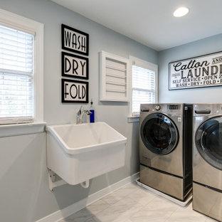 Bild på en vintage tvättstuga