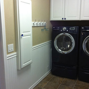 Laundry room - traditional laundry room idea in Seattle