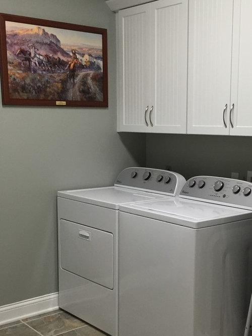 hauswirtschaftsraum mit laminat arbeitsplatte und gr nen w nden ideen f r waschk che. Black Bedroom Furniture Sets. Home Design Ideas