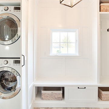 Phoenixville, PA : Bright and Airy Hidden Laundry Rm./Mudroom