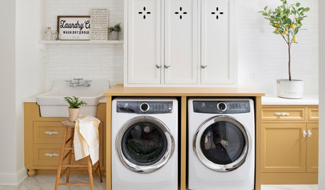 A Warm and Bright Laundry Room to Welcome a Family Home