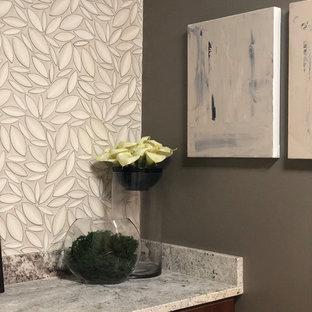 Foto på en stor vintage flerfärgade parallell tvättstuga enbart för tvätt, med en rustik diskho, skåp i shakerstil, bruna skåp, granitbänkskiva, grå väggar, klinkergolv i keramik, en tvättpelare och beiget golv