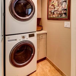 Island style laundry room photo in Hawaii