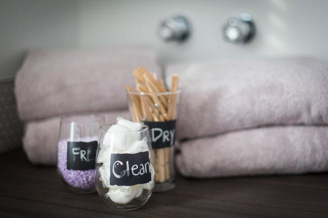Scandinavian Laundry Room by LeAnne Bunnell Interiors {elle design}