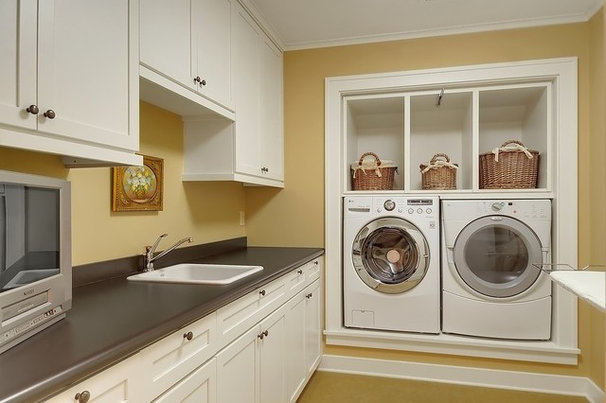 Craftsman Laundry Room by Seattle Staged to Sell and Design LLC
