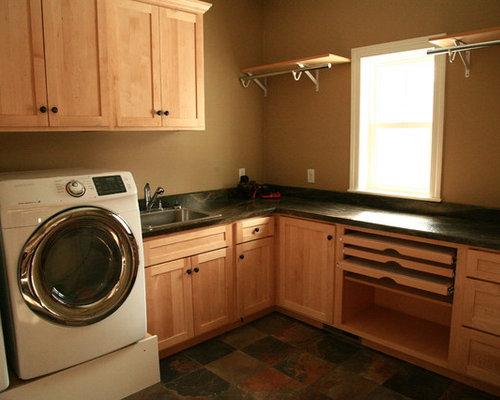 buanderie moderne avec un sol en travertin photos et. Black Bedroom Furniture Sets. Home Design Ideas