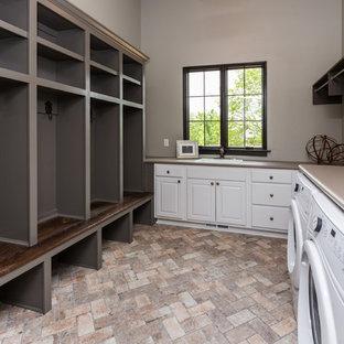 75 Most Popular Cedar Rapids Laundry Room Design Ideas For