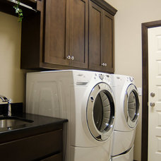 Craftsman Laundry Room by Muirfield Homes by Alan Cheshier