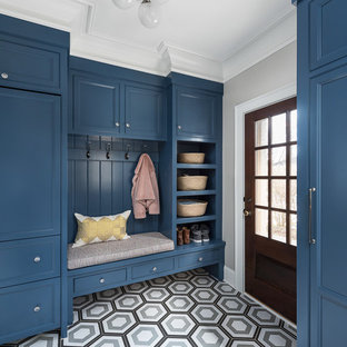This is an example of a classic utility room in Chicago.