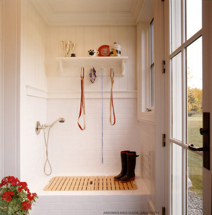 Traditional Laundry Room by Arbonies King Vlock