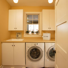 traditional laundry room by Ron Brenner Architects