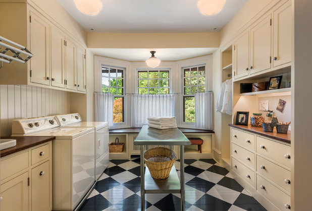 Traditional Laundry Room by Archer & Buchanan Architecture, Ltd.