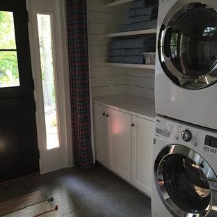 Immagine di una lavanderia stile shabby