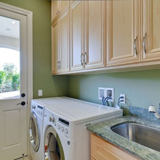 Traditional Laundry Room by Rayco Painting