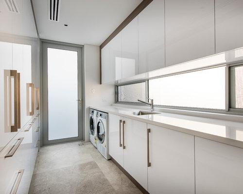 Laundry room design ideas renovations photos for Bella retractable screen door