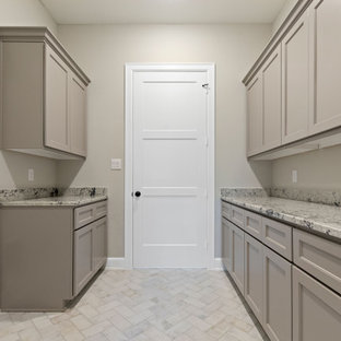 Example of a laundry room design in Houston