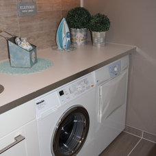 Modern Laundry Room Tine og Tommi m/fam