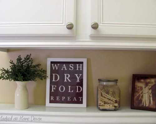 Laundry room decor houzz for Decorate a laundry room