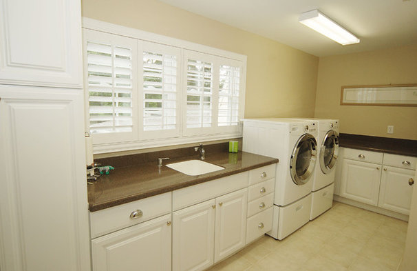 Traditional Laundry Room by Javic Homes