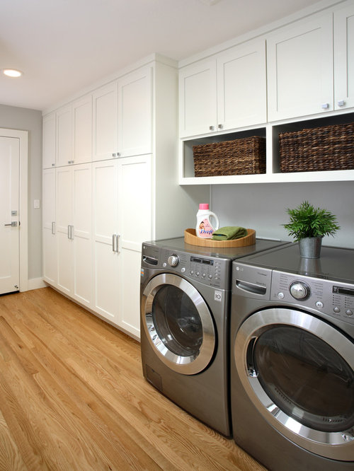 Traditional Laundry Room Idea In San Francisco With White Cabinets