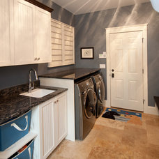 Traditional Laundry Room by SPACE, Inc.