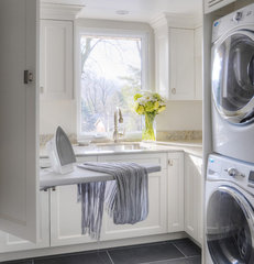 modern laundry room by Braam's Custom Cabinets