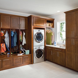 Lowe's, cabinets, kitchen, mud room, laundry, Shenandoah Cabinetry