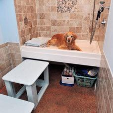 Laundry Room by Don Van Cura Construction Co., Inc.