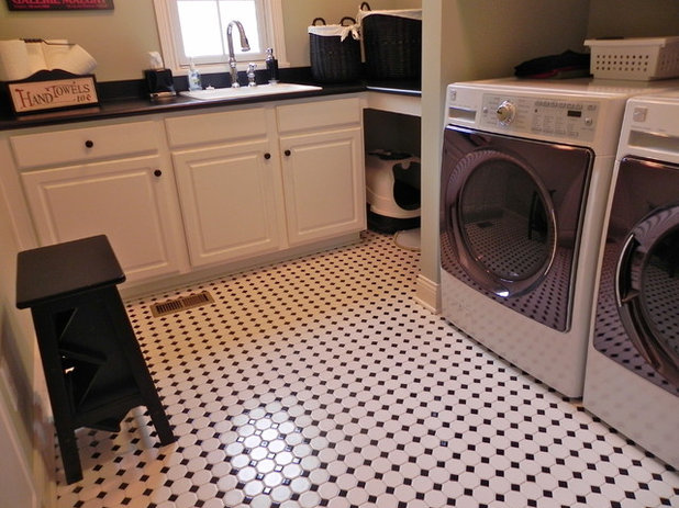 The Hardworking Laundry Room: A Spot for the Litter Box