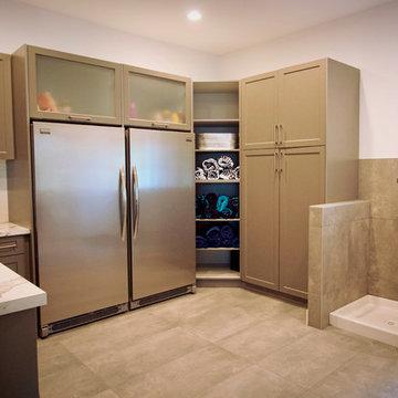 Youbou: Laundry & Freezer Room