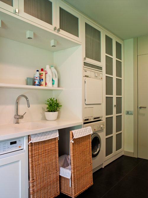moderner hauswirtschaftsraum mit integriertem waschbecken ideen f r waschk che haushaltsraum. Black Bedroom Furniture Sets. Home Design Ideas