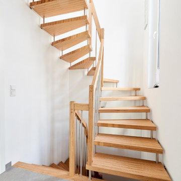 Больцевая лестница из панели BauBuche