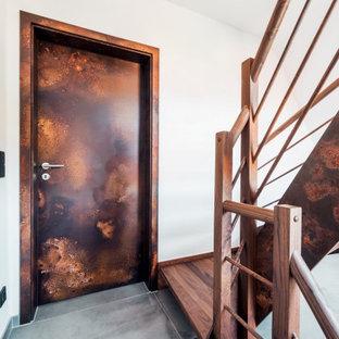 Источник вдохновения для домашнего уюта: лестница в современном стиле с деревянными ступенями и деревянными перилами без подступенок
