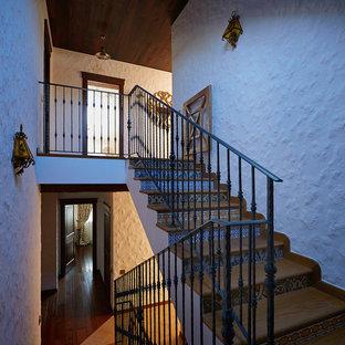 エカテリンブルクのカントリー風おしゃれな階段の写真