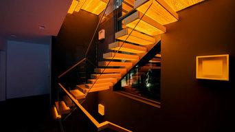 Консольная лестница с инновационной встроенной подсветкой