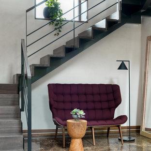 Лестница на второй этаж. Загородный дом Шале