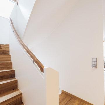 Лестница с бетонным основанием