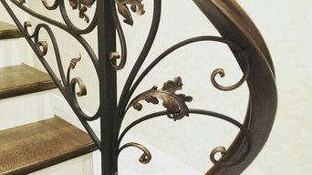 Лестница с ковкой на металлокаркасе