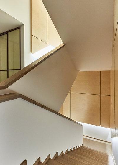 Современный Лестница by Анна Жемерева / ORT-interiors