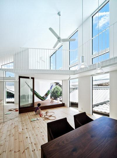 コンテンポラリー リビング by UZU architects