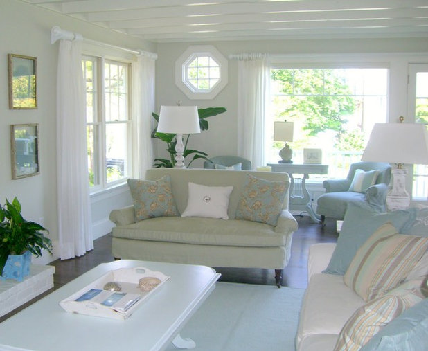 Houzz tour a breezy coastal cottage in new england for Living room 507