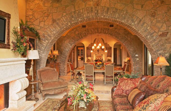 Mediterranean Living Room by Vanguard Studio Inc.