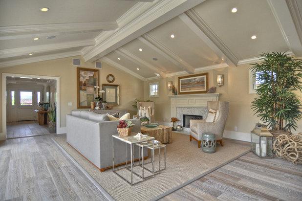 Beach Style Living Room by Spinnaker Development