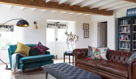 Houzz Tour: A Historic Barn Becomes a Striking Yet Cosy Home
