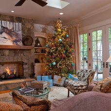 Traditional Living Room by Dillard-Jones Builders, LLC