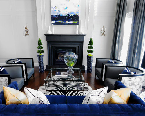 Decorating a blue couch houzz for Black white and blue living room ideas