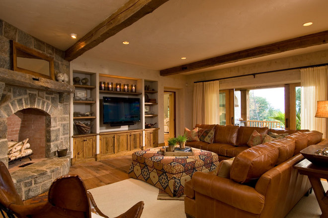 Rustic Living Room by Witt Construction