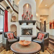 Mediterranean Living Room by Syringa Realty