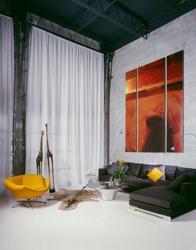 Contemporary Living Room by Studio MM Architect, pllc